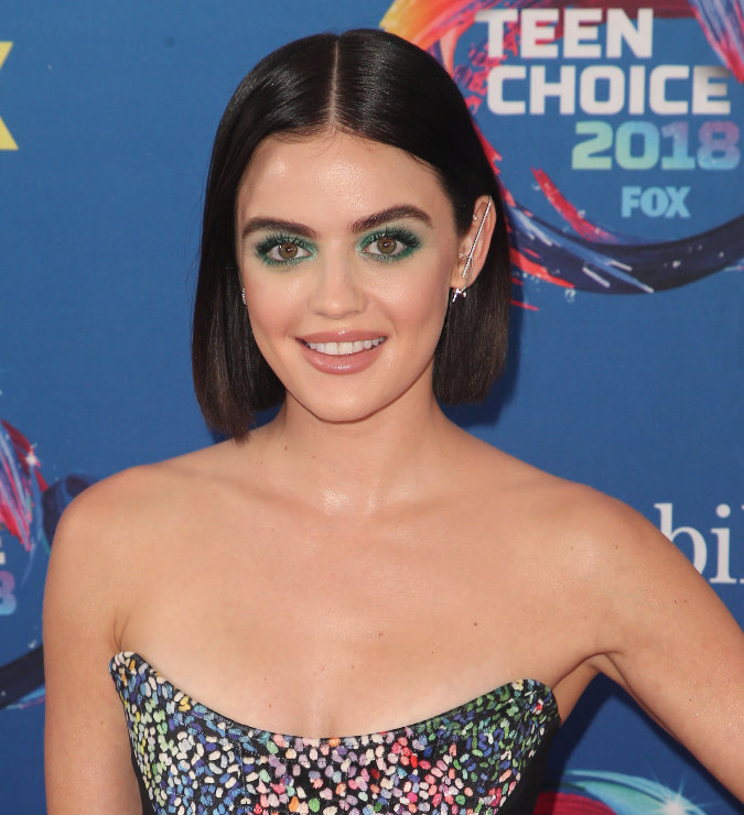 Hairstyle Trends 2019 - Lucy Hale at the Teen Choice Awards 2018 with Short Bob hairstyle and center part