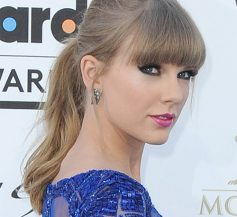 Taylor Swift Pony Tail Haistyle