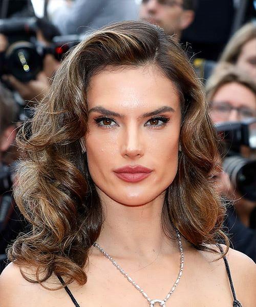Alessandra Ambrosio medium length bomb shell hair