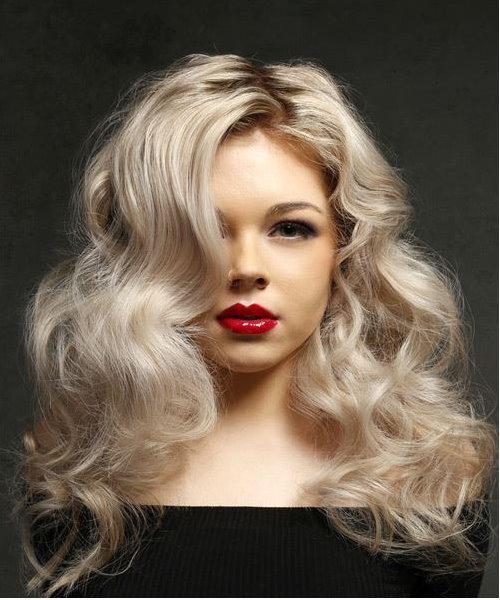 Bomb Shell Hair Model Blonde