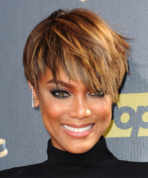 Tyra Banks short straight sassy hairstyle with
