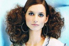 medium-length-hair-curly-06