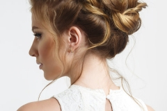 Elegant wedding hairstyle on a beautiful bride.